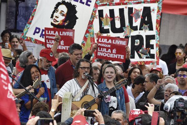Protest za prepustenie exprezidenta da Silvu.