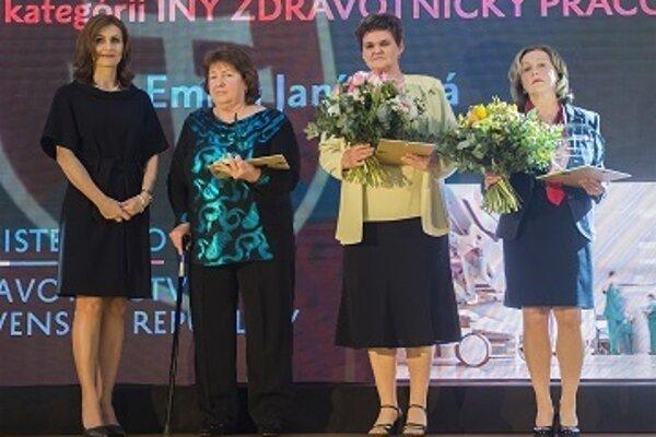 Ocenené lekárky s ministerkou zdravotníctva.