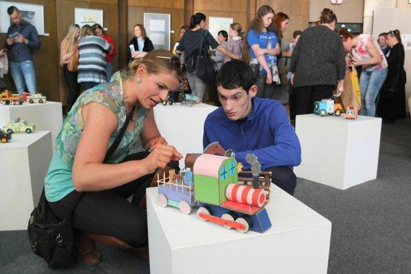 Autisti zo Žiaru a okolia by mali už čoskoro nájsť miesto pre trávenie voľného času v Ladomerskej Vieske.