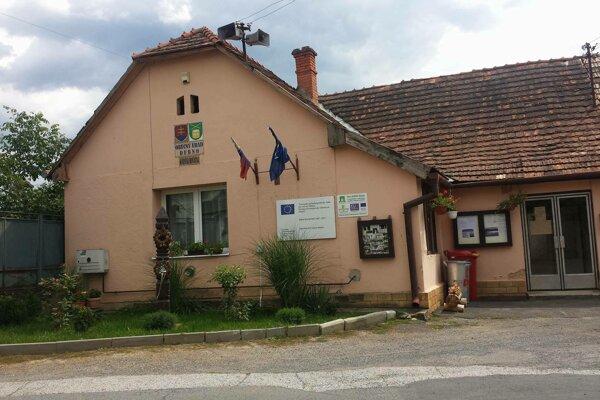 Obecný úrad v Dubne