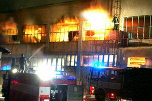 Takéto plamene zachvátili Smrečinu v roku 2004.