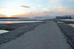 Skoro na jar sa dá prejsť suchou nohou až na vtáčí ostrov.