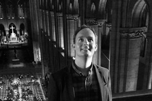 Atmosféru Notre Dame Matúš Kucbel miloval. Na fotografii v Notre Dame v čase, keď ešte žila katedrála naplno.