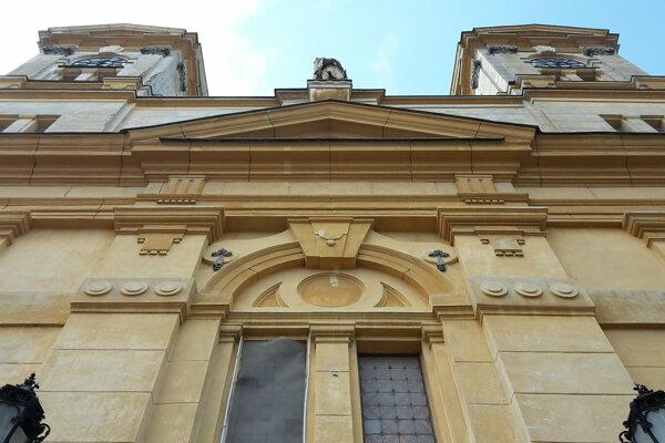 Kostol sv. Michala Archanjela v Leviciach.