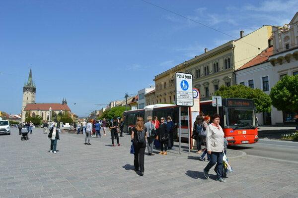 Miesto zastávky Na Hlavnej bude nástup a výstup na zastávke Okružná v oboch smeroch.