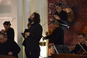 Clivá krása židovskej hudby sa niesla celým priestorom lučeneckej synagógy.