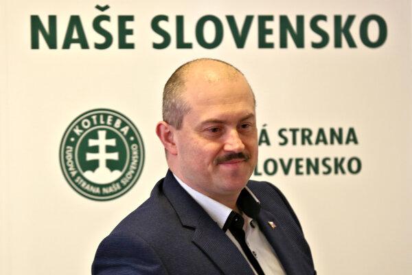 Predseda ĽSNS Marian Kotleba.