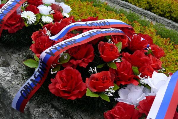 Kladenie vencov sa uskutočnilo na Cintoríne hrdinov SNP v Martine - Priekope.