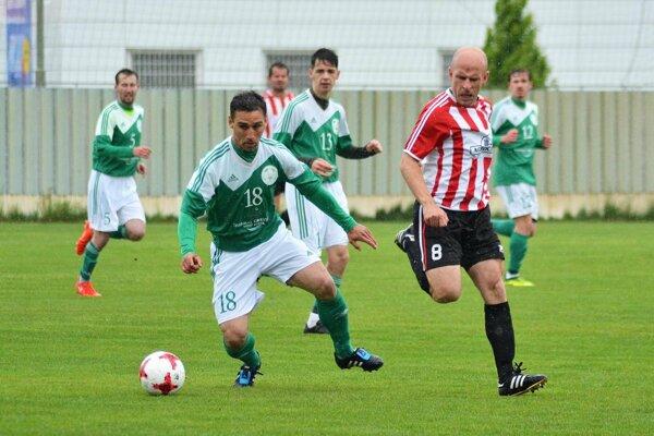 Gábor Vayer hrával prvú ligu v Maďarsku, Poľsku i Portugalsku. V nedeľu pomohol V. Mederu k výhre nad Čenkovcami 4:0.
