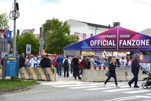 Cez časť Kukučínovej autá neprejdú kvôli fanzóne.