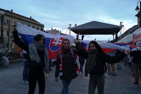 Fanzónu v Prešove zaplnili desiatky fanúšikov.