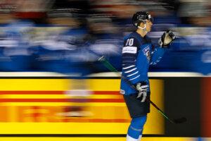 Fín Niko Mikkola sa raduje zo svojho gólu.