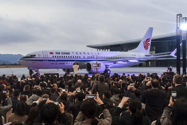Lietadlo Boeing 737 Max 8 na letisku v čínskom Čou-šane.