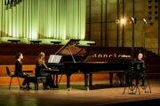 Stravinského dielo Svätenie jari odohrali manželia Nora a Miki Skuta vo februári 2019 na zimnej časti festivalu Konvergencie