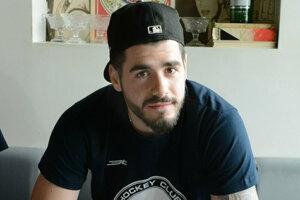 Jurij Repe podpisuje kontrakt s HC Košice.