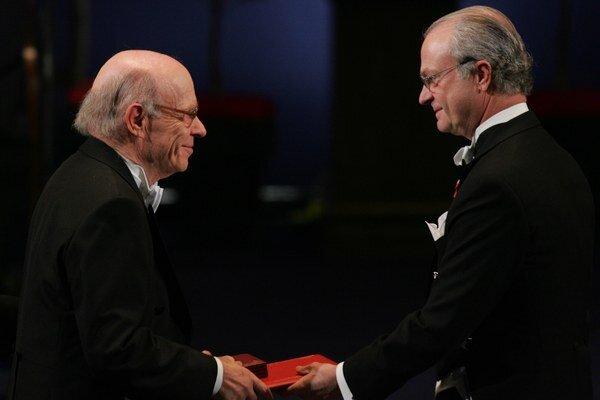 Irwin Rose (vľavo).