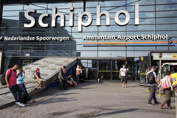 Hlavný vstup do letiska Schiphol v Amsterdame.