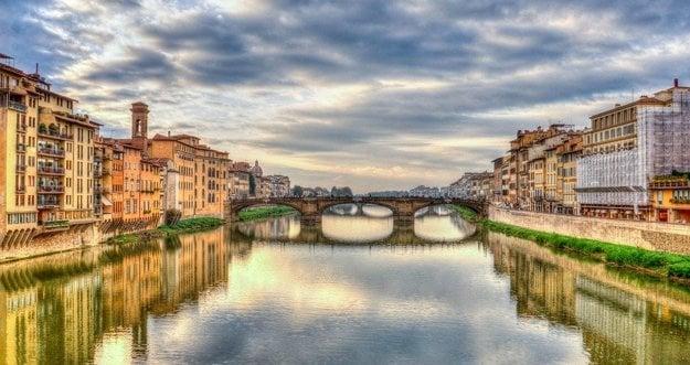Rieka Arno, Florencia.