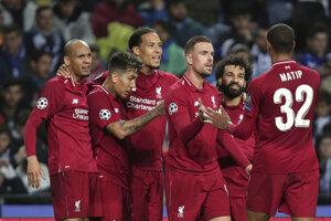 V prvom tíme FC Liverpool hrajú v tejto sezóne futbalisti pätnástich národností - taká je futbalová globalizácia.
