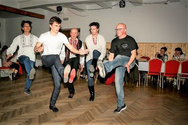 Škola tanca s KAF Hojana.