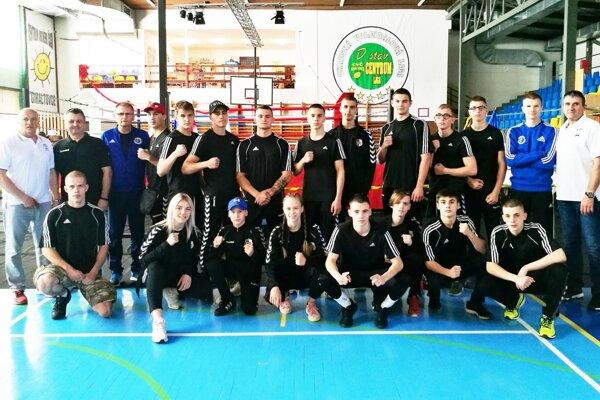 Výprava boxerov BC Stavbár Nitra v Giraltovciach.