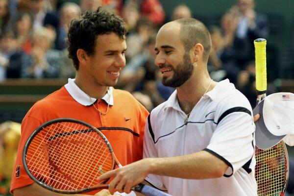 Dominik Hrbatý a Andre Agassi po semifinále na Roland Garros 1999.