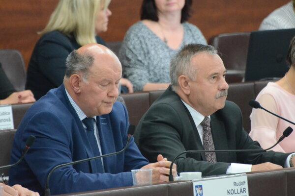 Rudolf Kollár a Ján Danko na zasadnutí májového mestského zastupiteľstva.
