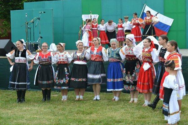 V Ratke zaznejú hlasy folkloristov.