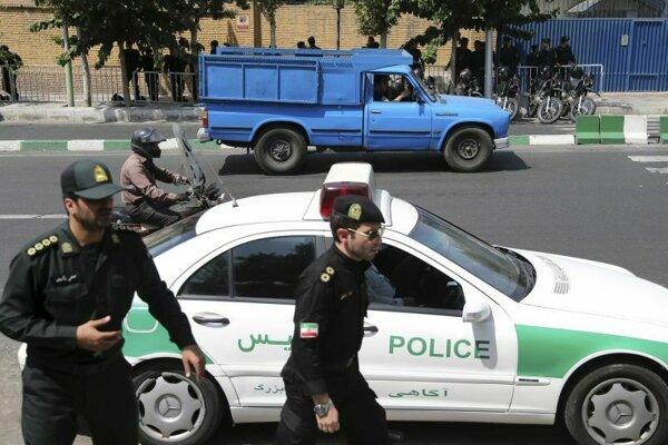 Hliadka iránskej polície.