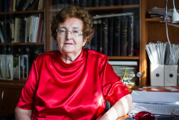 Neznamená to, že každý volič ĽSNS je fašista, ale že si stranu s fašistickou ideológiou vybral, tvrdí Katarína Závacká, historička práva.