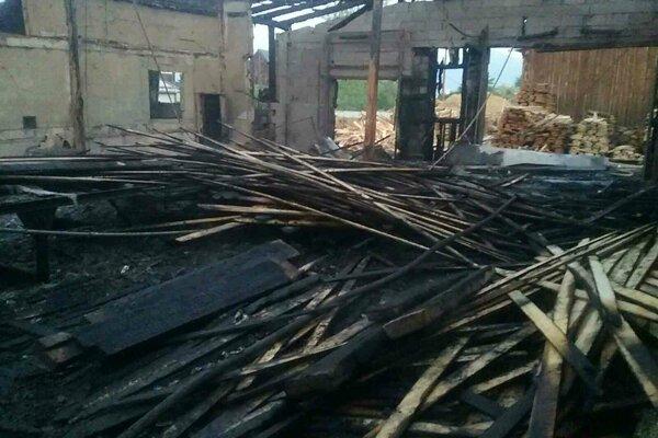 Požiar vypukol v noci z pondelka na utorok.