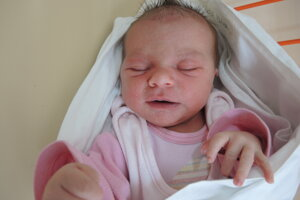 Veronika Hrbáčková (3420 g, 52 cm) sa narodila 4. júna Martine a Petrovi z Púchova.