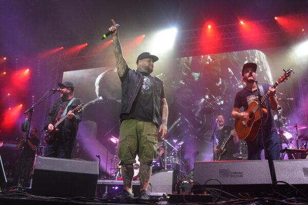IMT Smile spolu s raperom Kalim na Dobrom festivale.