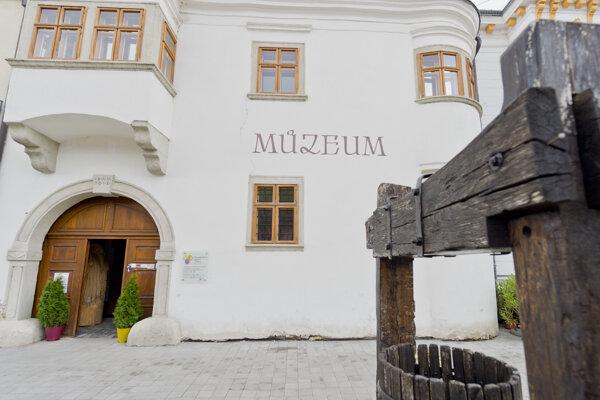 Malokarpatské múzeum Pezinok.