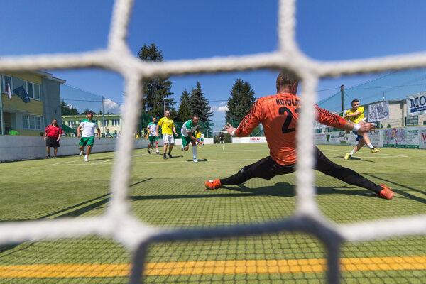 Okrem futbalového turnaja je pre návštevníkov pripravený bohatý sprievodný program.