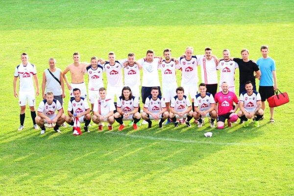 Jednoliaty kolektív MFK Zvolen po poslednom zápase v sezóne 2018/2019.