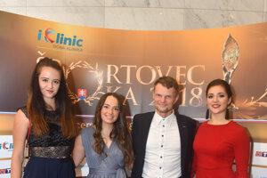 Zľava Viktória Kužmová, vodná slalomárka Soňa Stanovská, Miroslav Masarčin a fitneska Kristína Juricová.