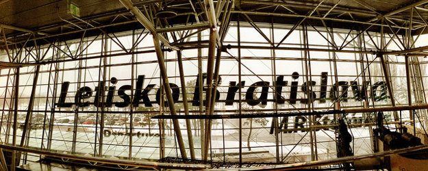Bratislavské letisko si oproti vlaňajšku o priečku polepšilo.