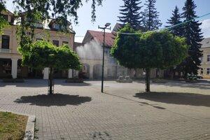 Vodná hmla v Kysuckom Novom Meste sa ľuďom páči.
