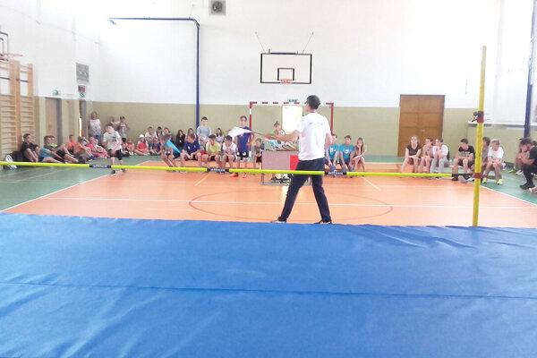 Na ZŠ M. Kukučína v Dolnom Kubíne sa uskutočnilo podujatie v skoku do výšky.