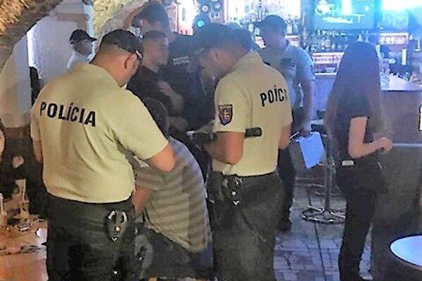 Policajná razia v oravských pohostinstvách.