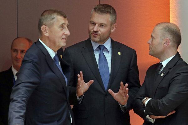 Český premiér Andrej Babiš, Peter Pellegrini a maltský premiér Muscat.