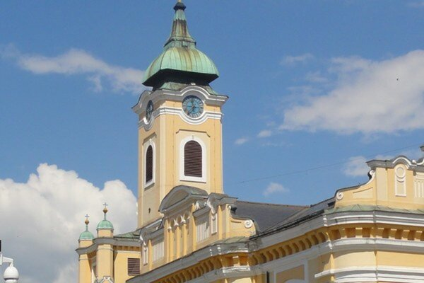 Ilustračné foto - farský kostol v Topoľčanoch.