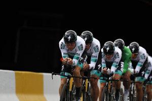 Cyklisti z tímu Bora-Hansgrohe počas druhej etapy 106. ročníka Tour de France 7. júla 2019 v Bruseli.