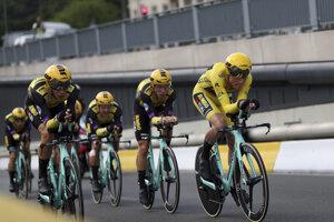Víťazi tímovej časovky z tímu Jumbo Visma počas druhej etapy Tour de France 2019.
