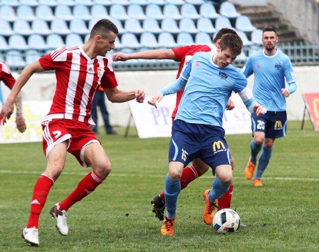 Skóre zápasu vČerveníku otváral kapitán Nitry Andrej Ivančík (na snímke zduelu sBanskou Bystricou).