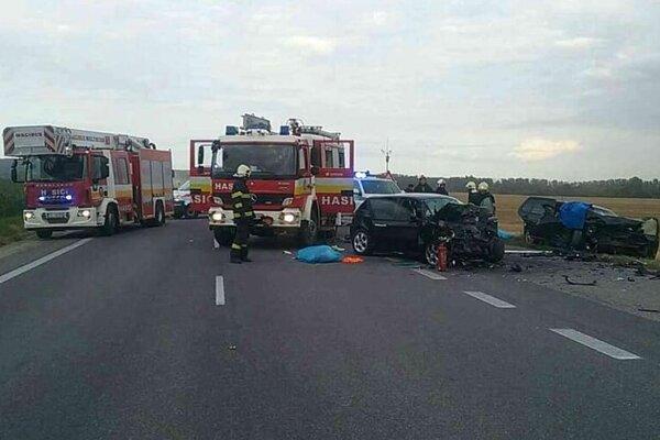 Tragická nehoda pri Turni nad Bodvou si vyžiadala štyri obete.