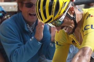 Julian Alaphilippe pred cieľom 14. etapy Tour de France 2019.