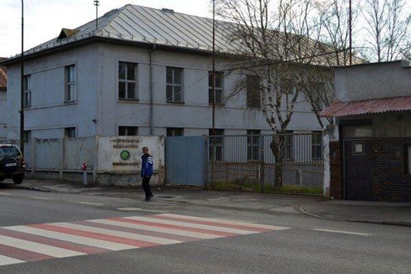 Prešovská župa sa rozhodla neprerobiť bývalé kasárne v Kežmarku na študentský kampus.
