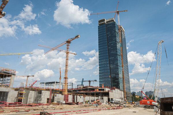 Výstavba autobusovej stanice Mlynské Nivy.